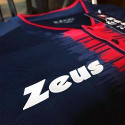 Kit Calcio Zeus Sport 2021 Perseo Blu/Rosso dettaglio Logo sul Petto
